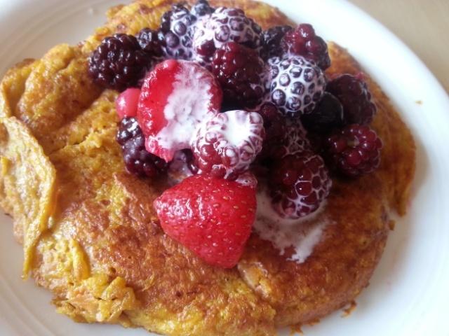 Sweet potato pancake with berries