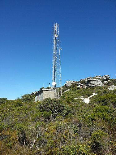 Mast at the top of Elsies Peak