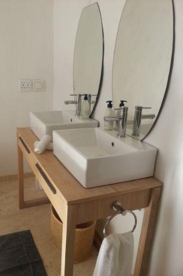 Spacious lovely bathroom