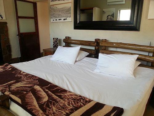 Aquila bedroom
